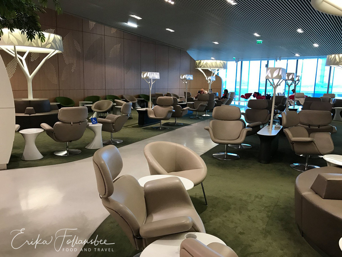 Air France Business Lounge CDG Terminal 2E, Hall M